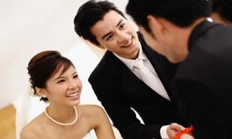 Giật mình vì những chiếc phong bì rỗng bạn mừng đám cưới