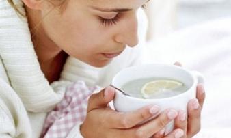 Bị cảm cúm mùa này đừng tốn tiền mua thuốc tây làm cốc nước chưa tới 1000 này là khỏi nhanh hơn