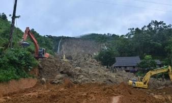 Vụ lở đất ở Hòa Bình: Tìm thấy một phần thi thể nạn nhân ở độ sâu gần 10m