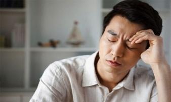 Mệt mỏi vì sống cùng vợ mắc bệnh thích tiêu tiền