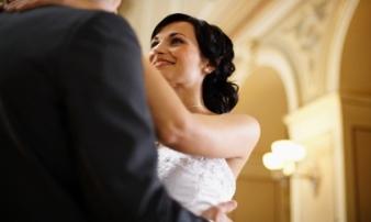 Chỉ bằng một bài hát yêu thích, chồng đã dạy tôi một bài học quý về tình vợ chồng
