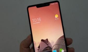 Đây là chiếc smartphone đẹp không kém iPhone X, giá rẻ hơn nhiều