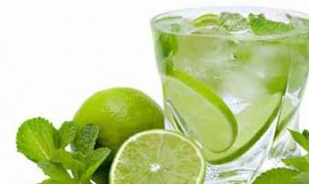 Uống nước chanh rất có lợi, nhưng điều gì sẽ xảy ra nếu uống liên tục trong 2 tuần?