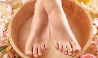 Nhìn xuống bàn chân xem bạn có những dấu hiệu thể hiện cuộc sống an nhàn phú quý sau này hay không
