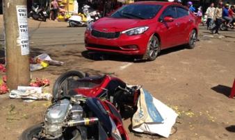 Một phụ nữ lao ô tô 'điên' vào chợ, 3 người thương vong
