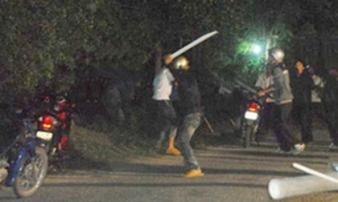 Hai nhóm hỗn chiến kinh hoàng, 4 người bị thương nặng