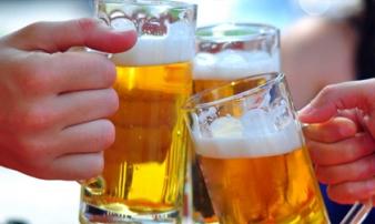Uống bao nhiêu rượu bia để không phải đi viện ngày Tết?