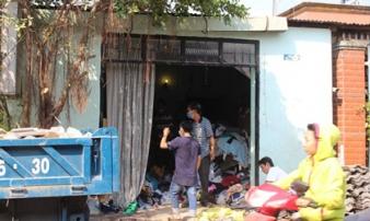 Con trai phát hiện cả cha và mẹ tử vong trong nhà khoá kín ngày 29 Tết