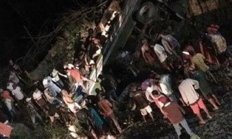 Tai nạn giao thông kinh hoàng tại Philippines khiến ít nhất 19 người chết