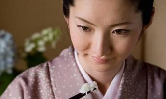 Bí quyết hàng trăm năm khiến phụ nữ Nhật sống lâu nhất thế giới và không bị béo phì