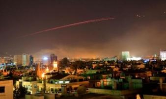 """Nổ lớn ở thủ đô Syria sau khi Trump ra lệnh """"dội bão lửa"""""""