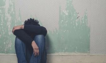 Mách cha mẹ dấu hiệu nhận biết con có suy nghĩ tiêu cực, muốn tìm đến cái chết