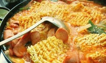 Thường xuyên ăn mì tôm có thể gây ra những tác hại vô cùng đáng sợ cho sức khỏe