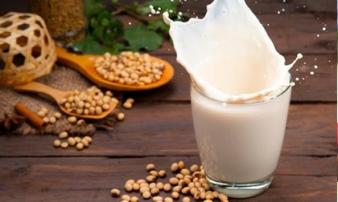 Sữa đậu nành dù bổ tới mấy nhưng có 6 kiểu người nếu uống sẽ thành hại thân