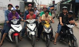 3 cha con rủ nhau đi cướp xe máy