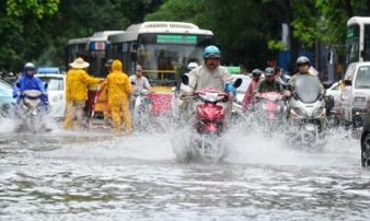 Tin mới thời tiết 26/4: Hà Nội có mưa to kèm gió giật mạnh, vùng núi nguy cơ sạt lở