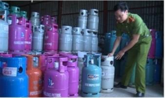 Thái Bình: Bắt quả tang cơ sở sang chiết gas trái phép, giả hàng loạt thương hiệu nổi tiếng