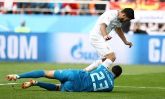 Uruguay - Saudi Arabia: Suarez 'sửa sai', tiễn Salah về nước