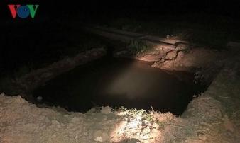 Bàng hoàng phát hiện thi thể 2 cháu nhỏ dưới hố công trình