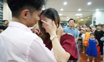 Khánh Thi bật khóc, ngậm ngùi viết tâm thư cho chồng kém 12 tuổi trong ngày sinh nhật