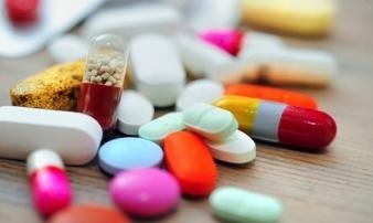 Dùng nhiều kháng sinh nhưng 90% người Việt không biết ăn gì để tránh tác dụng phụ