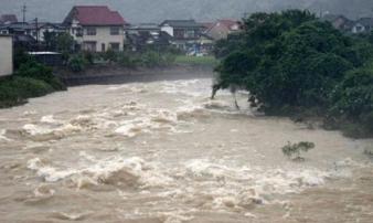 Siêu bão mạnh lên 5 cấp trong 24 giờ đe dọa châu Á