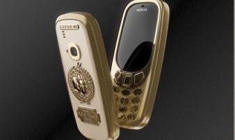 Nokia 3310 bản Putin-Trump bằng titan và vàng 24K giá siêu đắt