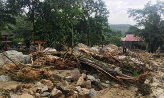 Lũ cuốn 4 người trong gia đình chết, mất tích: 'Những căn nhà phía trên ập xuống trong tích tắc'