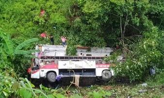 Xe giường nằm lao vực sâu ở Cao Bằng, ít nhất 4 người chết