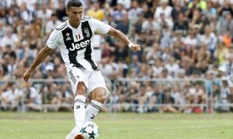 Ronaldo mất 8 phút để có bàn đầu tiên cho Juventus