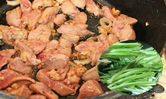 Tuyệt đối không nấu mấy món này chung với nhau cho con ăn dặm, sẽ khiến trẻ ăn hoài không lớn