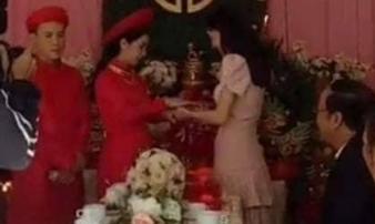 Clip Nhã Phương lộ vòng 2 to bất thường trong đám cưới em gái được chia sẻ rầm rộ