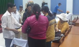 Vĩnh Long: Hai thai nhi gần sinh bỗng chết lưu trong bụng mẹ, gia đình bệnh nhân vây kín bệnh viện đòi làm rõ
