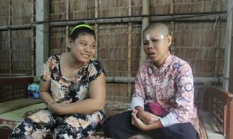 Người mẹ mong 2 con gái điên dại được ăn một bữa no rồi cả nhà chết cũng mãn nguyện