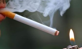 Kinh hoàng những chất tẩy nhà vệ sinh, ướp xác có trong thuốc lá