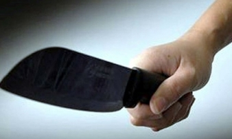 Nhóm đối tượng đi ôto, cầm dao dài 50cm chém người ngay giữa đường