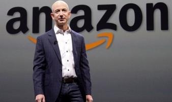 Tốc độ kiếm tiền kinh hoàng của tỷ phú giàu nhất thế giới: Làm 1 giờ bằng người khác làm... 68 năm không nghỉ!
