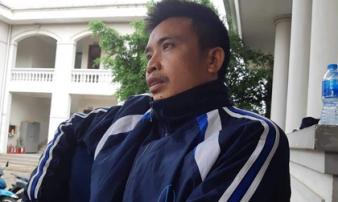 """Bố bé trai 22 tháng tử vong khi truyền dịch: """"Khi đi khám, con còn vẫy tay chào mọi người"""""""