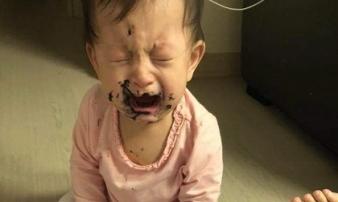 Vắng mặt vài phút, mẹ trẻ không ngờ con gái 1 tuổi đã ra nông nỗi này