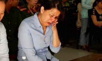 Bảo mẫu cơ sở nhóm trẻ Mẹ Mười hành hạ trẻ lĩnh án 2 năm tù