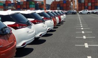 Cuối năm, giá ôtô con chỉ còn hơn 400 triệu đồng
