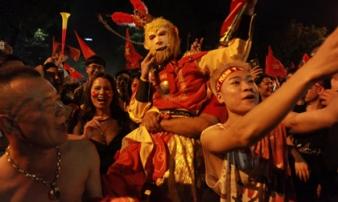 Tạo hình 'bá đạo' của CĐV Việt Nam trong trận đại thắng trước Malaysia