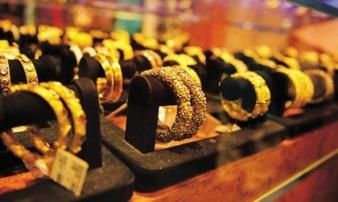 Giá vàng hôm nay 3/12: Mỹ - Trung đình chiến, vàng tăng giá