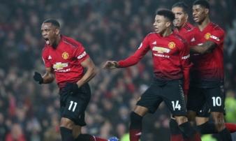 Mourinho 'dũng cảm', Man United khiến Old Trafford tự hào trong ngày đối đầu Arsenal