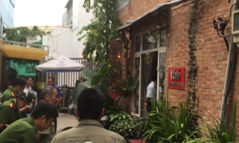 Gần 20 đàn ông quan hệ tập thể trong tiệm gội đầu ở Sài Gòn