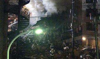 Nhà hàng 2 tầng đông khách bị san phẳng sau vụ nổ lớn