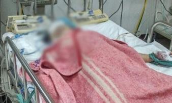 Bé gái 10 tuổi bị cướp đâm gục đã tử vong