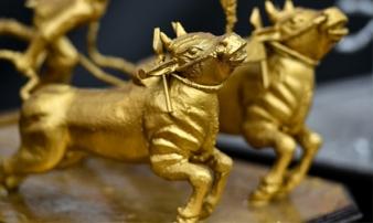 Giá vàng hôm nay 13/1: Vàng trong nước ngược chiều thế giới