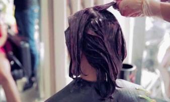 Người phụ nữ bị xơ gan nghiêm trọng vì sở thích làm đẹp tóc nhiều người cũng ham
