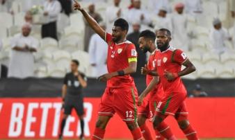 Ghi bàn thắng 'quý hơn vàng' ở phút bù giờ cuối cùng, Oman buộc Việt Nam chờ đến phút chót